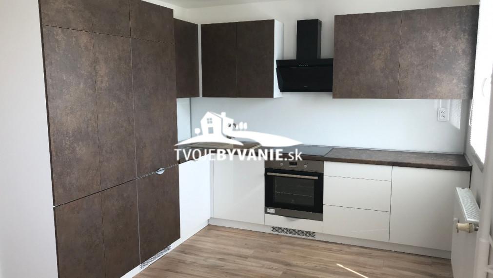 Nadštandardný 3 i byt na predaj , Moldavská, Košice - Západ