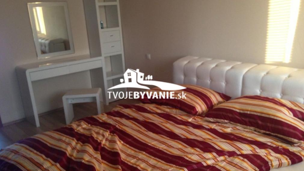 Na predaj 3 i byt s balkónom, Topoľová ulica, Košice - Juh