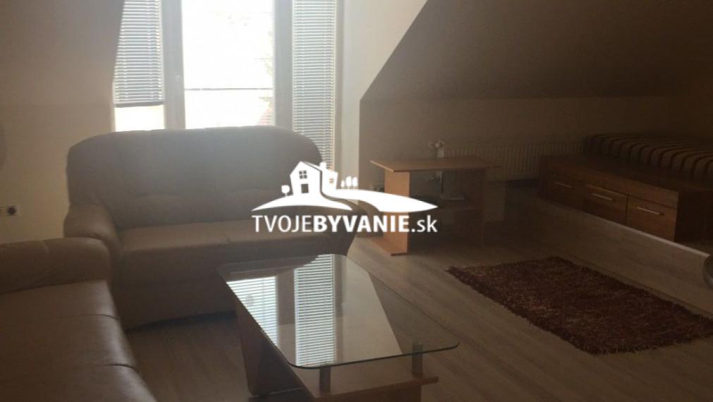Na predaj 3-izbový byt v centre mesta ul. Kováčska