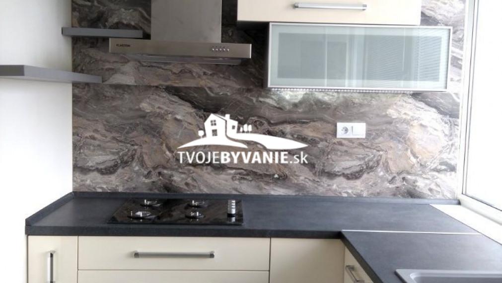 Na predaj novo zrekonštruovaný 3-izbový byt na Terase ul. Pokroku