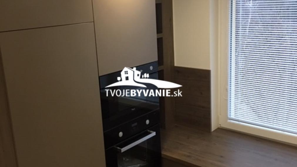 Krásny 3 i byt s balkónom na PREDAJ, Trieda SNP , Košice - Západ
