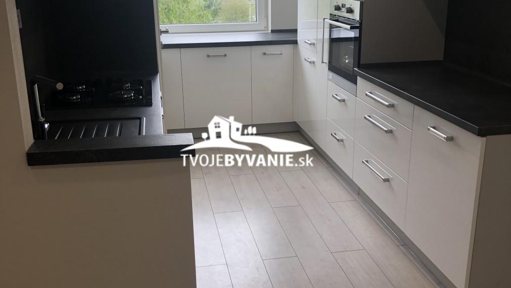 Novo zrekonštruovaný 3-izbový byt na Terase ul. Trieda SNP