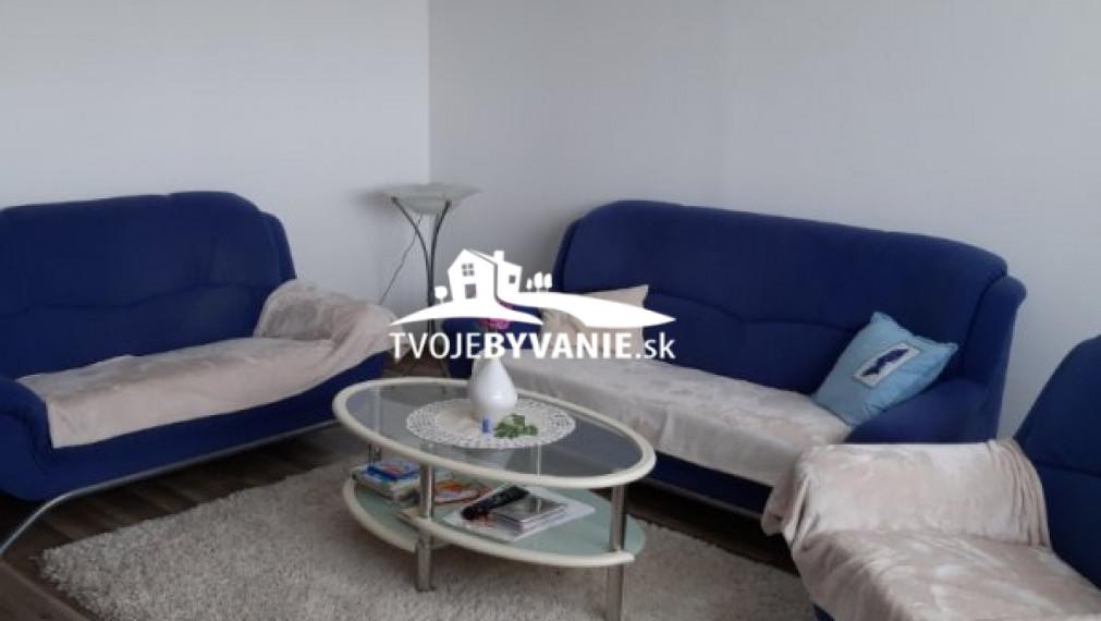Predávame 3- izbový byt na Severnej ul. v Moldave n/B, loggia
