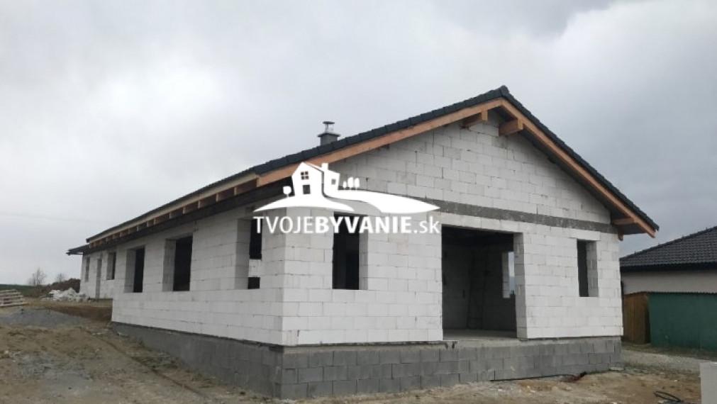 Novostavba v obci Ďurďošík